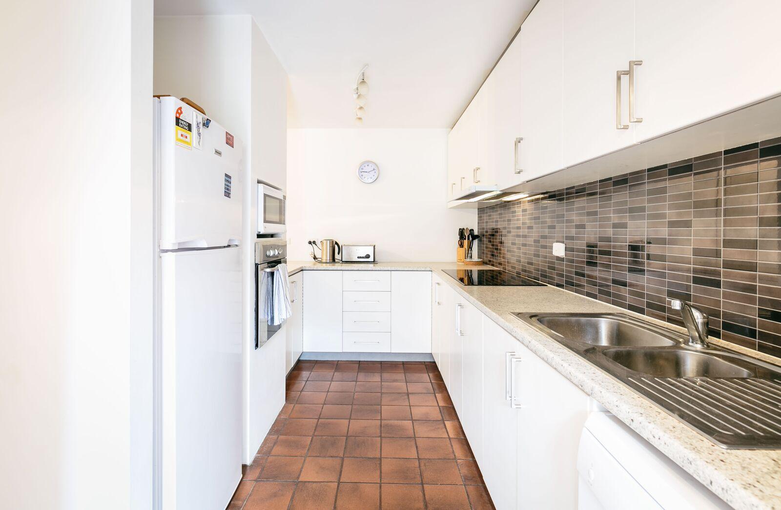 Harbour Central Kitchen Callan Apartment Fremantle