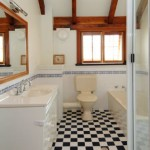 Main bathroom with retro flooring